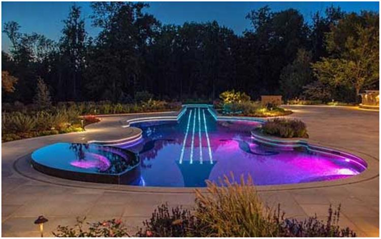 水系,绿植,景观小品雕塑等做照明设计规划.